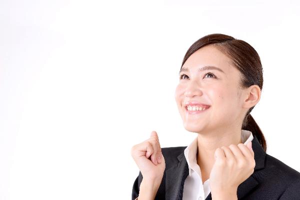 女性が職場で好きな人にとる5つの態度とは