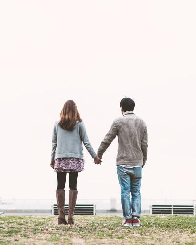 彼氏に甘えるのが苦手…上手に甘えるための5つのコツ