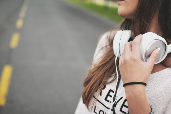 失恋ソングの歌詞で心に響く5つのもの