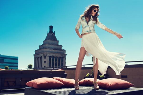 白いスカートを上手に着こなす5つのコツ
