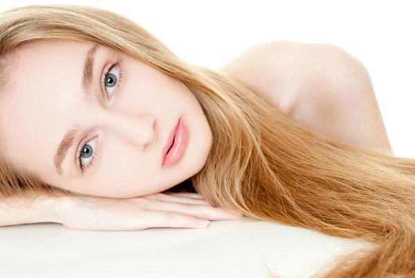 眉毛の形で女の人に似合うのはこの5つのタイプ