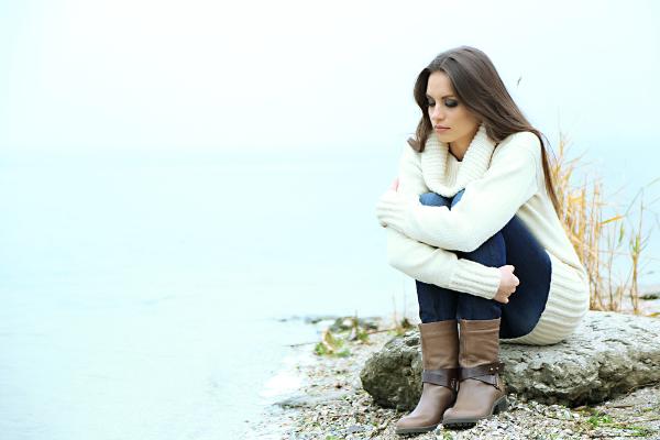 恋愛で嫉妬をして不安になった時の行動の仕方